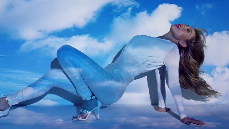 """Thalia en su video """"solo parecía amor"""""""