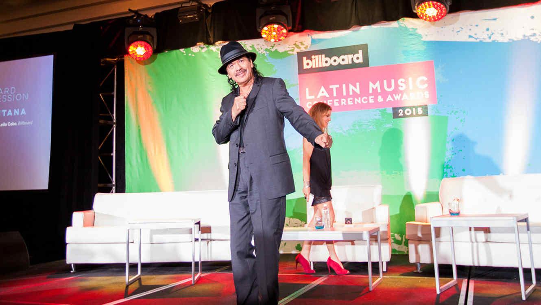 Carlos Santana durante la conferencia Billboard Latin 2015