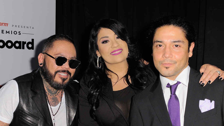 A.B. Quintanilla, Suzette Quintanilla y Chris Pérez (Los Dinos) en Premiois Billboard de Música Latina 2015