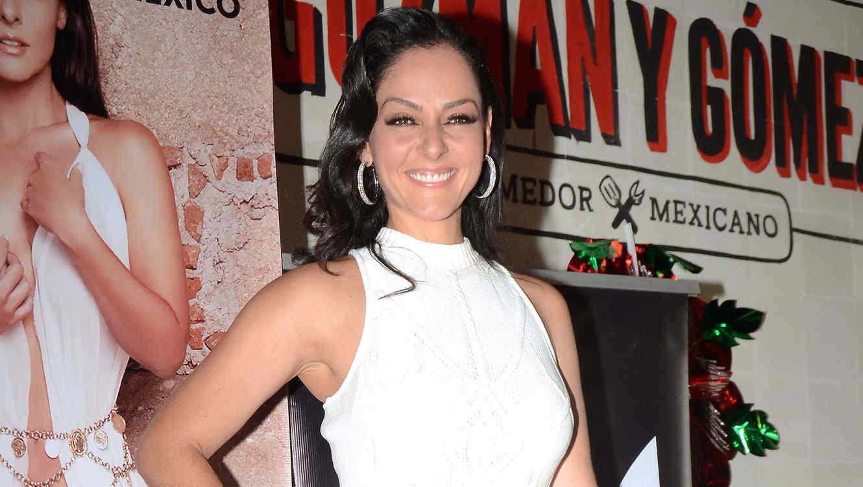Andrea García en la presentación de su portada de la revista Playboy México