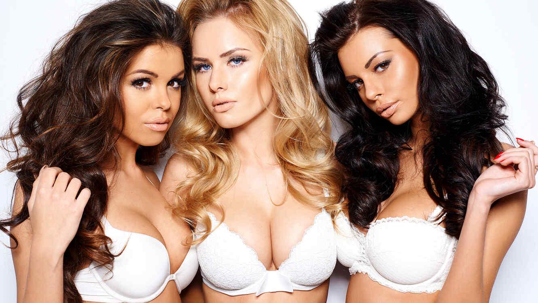 Tres mujeres en brasier