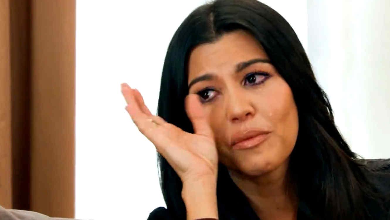 Kourtney Kardashian llorando en KUWTK