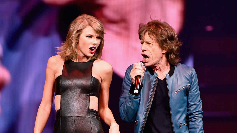 Taylor Swift y Mick Jagger se presentan juntos en Nashville como parte del The 1989 World Tour.