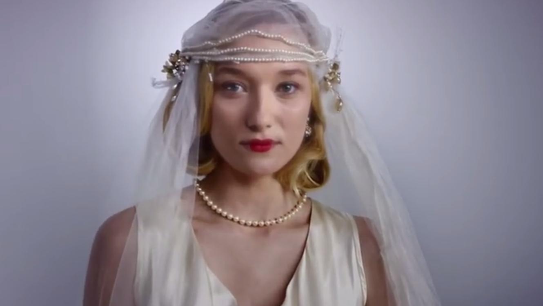c598928a0 VIDEO VIRAL  100 años de vestidos de novia en 3 minutos
