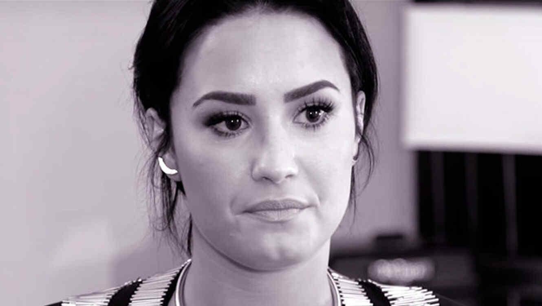 Demi Lovato en el video de Father