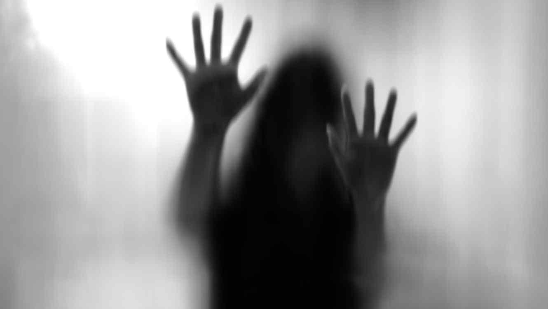 Mujer víctima de violación