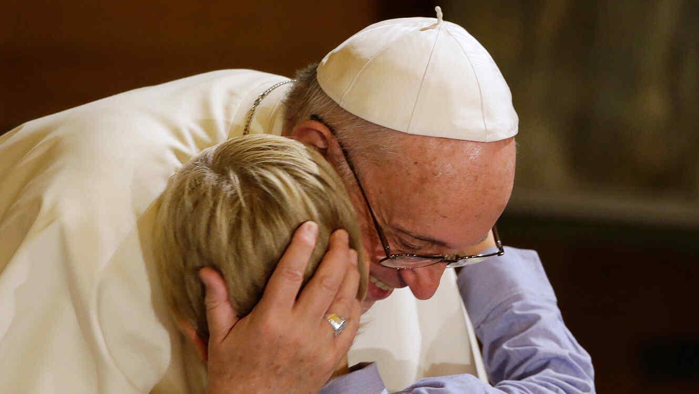 Papa Francisco y un niño, 2015