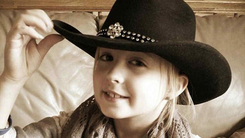 Chrissy Turner, la persona más joven con cáncer de mamá