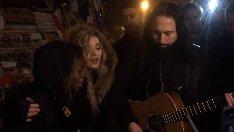 Madonna cantando Imagine en un concierto improvisado en París 2015