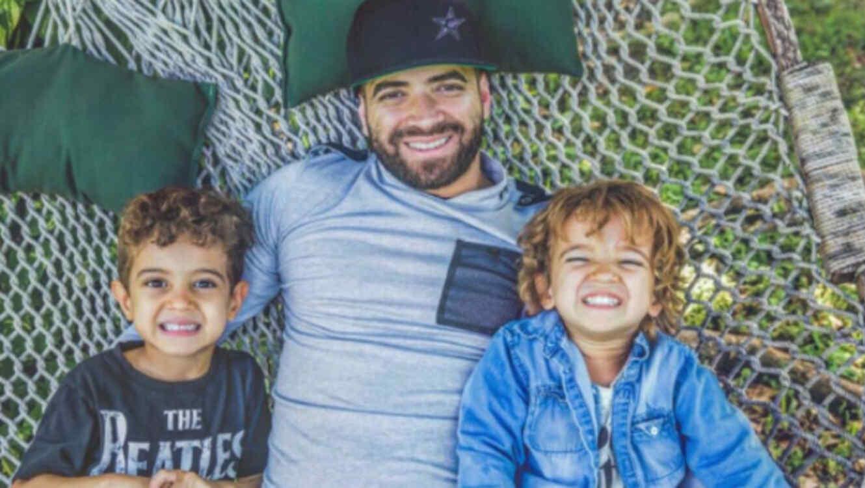 Nacho de Chino y Nacho junto a sus hijos