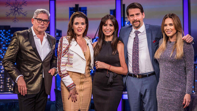 Boris Izaguirre, Alicia Machado, Giselle Blondet, Erika de la Vega y Eduardo Videgaray en Ya era Hora