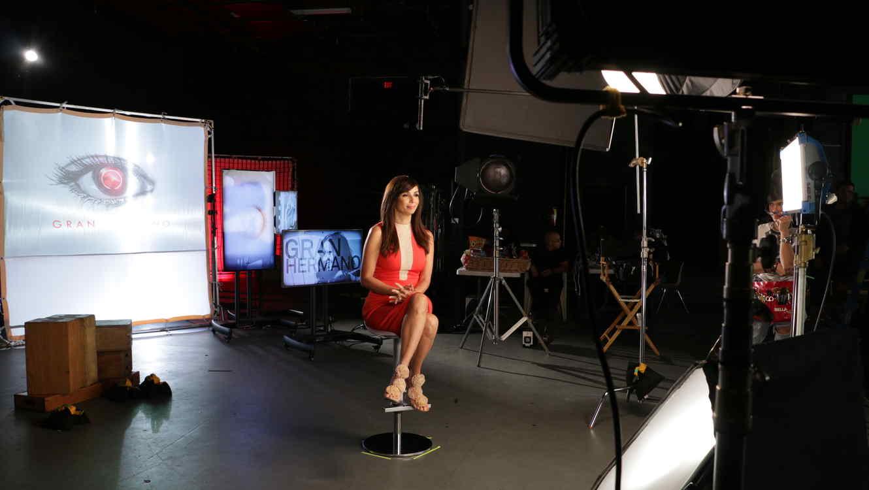 Giselle Blondet en el detrás de cámaras de los videos promocionales para Gran Hermano