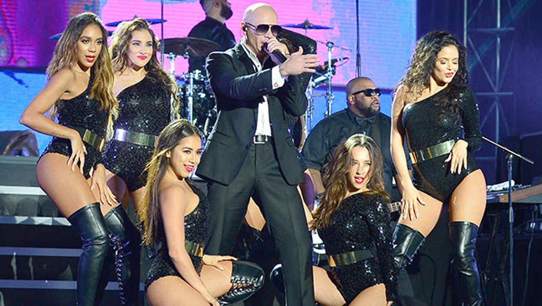 Pitbull en su concierto de año nuevo 2015.