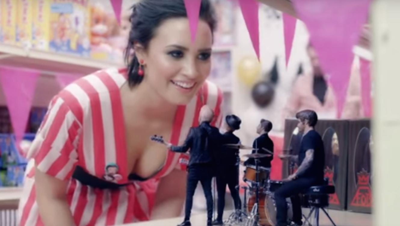 """Demi Lovato en el nuevo video """"irresistible"""""""