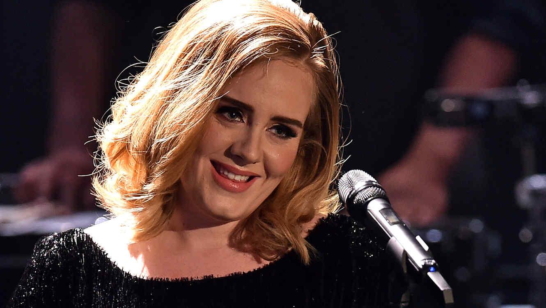 Adele en un evento de música en 2015