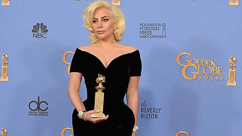 Lady Gaga en la sala de prensa de los Golden Globes 2016