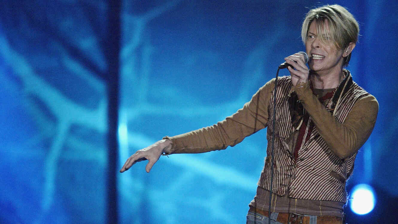 David Bowie en concierto en 2003