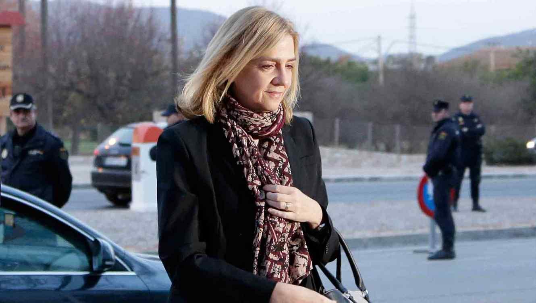 Infanta Cristina de Borbón saliendo de la corte de Palma de Mallorca, España