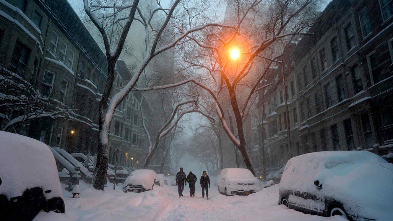 Una calle de Nueva York en medio de la feroz tormenta invernal que afligió a la región, el 23 de enero del 2016
