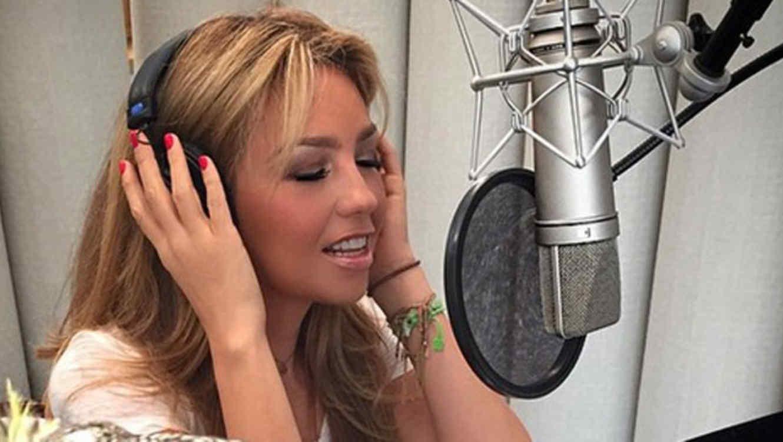 Thalía en el estudio de grabación