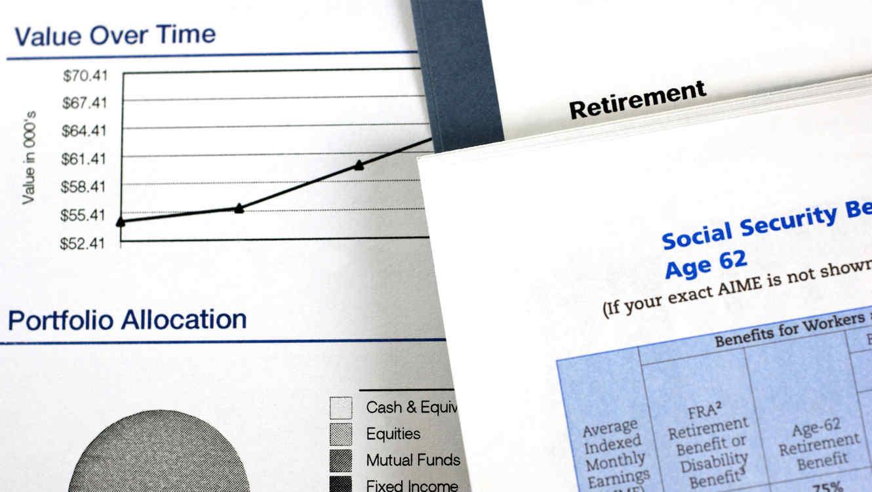 Infórmese acerca del plan de retiro o de participación en las utilidades que provee su empleador