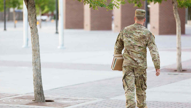 Ayuda para personal militar