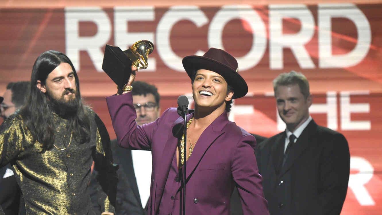 Bruno Mars en los Grammy 2016