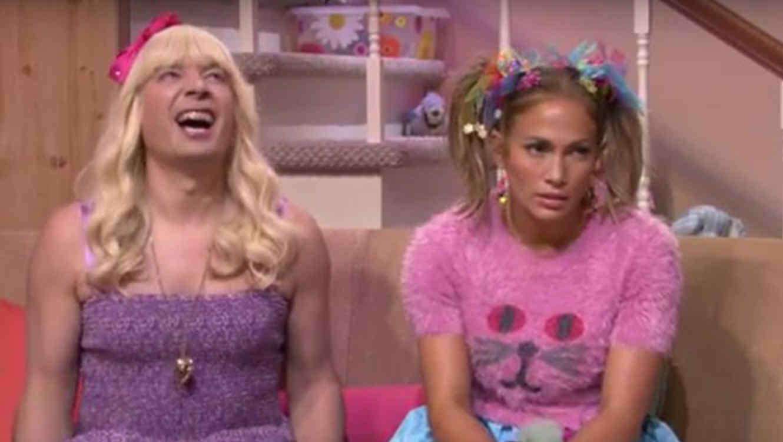 Jennifer Lopez y Jimmy Fallon en el segmento Ew!