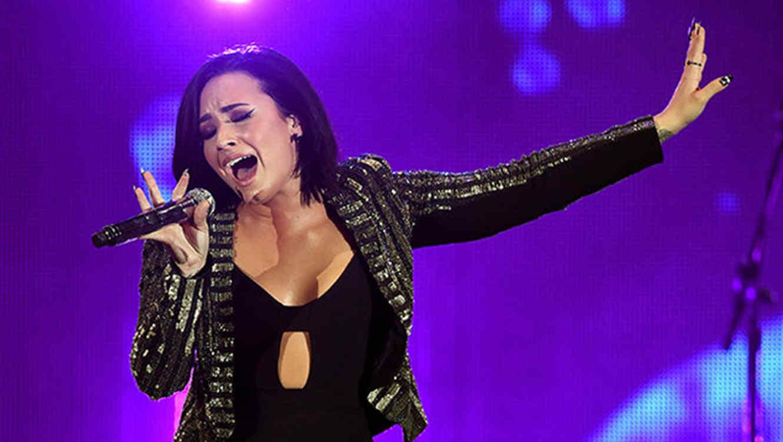 Demi Lovato en We Can Survive de CBS Radio en California