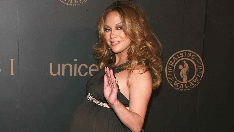 Jennifer Lopez, embarazada, en un evento en 2008