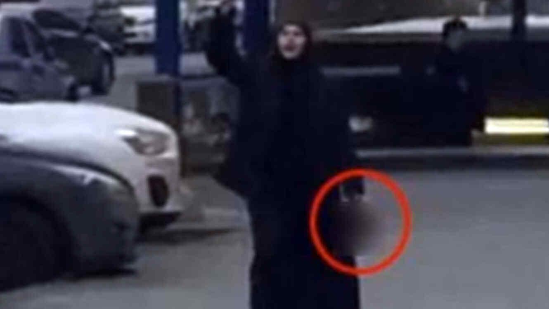 Mujer que demabulaba con la cabeza de na niña es detenida en Moscú