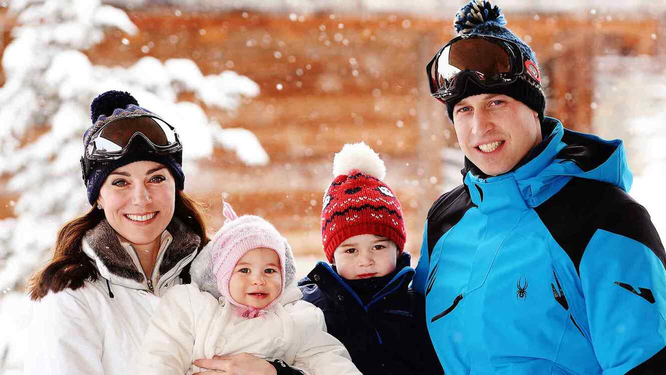 Kate Middleton, príncipe William, princesa Charlotte y príncipe George en los Alpes