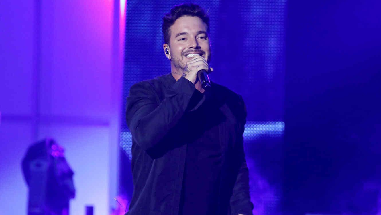 J Balvin Premios Tu Mundo - Season 2015