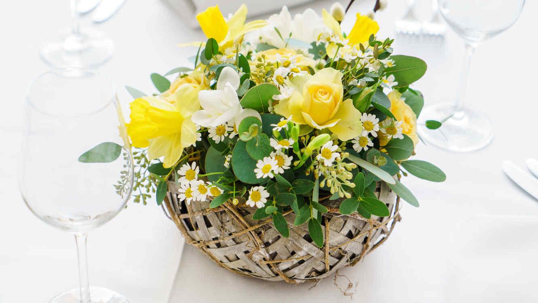 Insp rate con estas hermosas ideas para decorar la mesa el - Centros de mesa de pascua ...