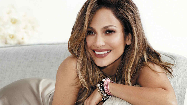 Jennifer Lopez presenta nueva colección de joyas