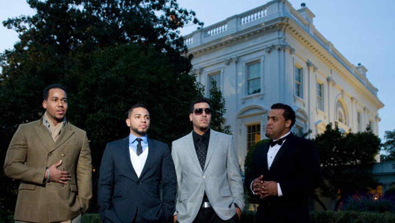 Romeo Santos Grupo Aventura en la Casa Blanca en la Fiesta Latina 2009