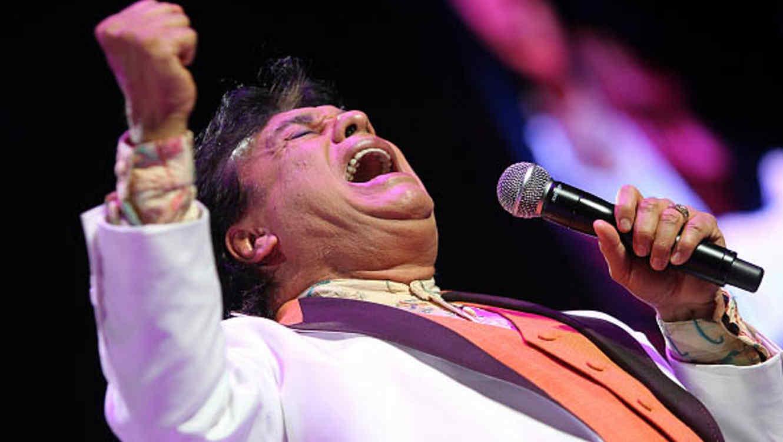 El disco Los Dúo de Juan Gabriel se convierte en éxito