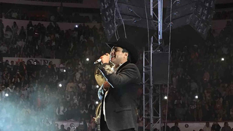 Julión Álvarez y su norteño banda en Aguas Calientes 2016