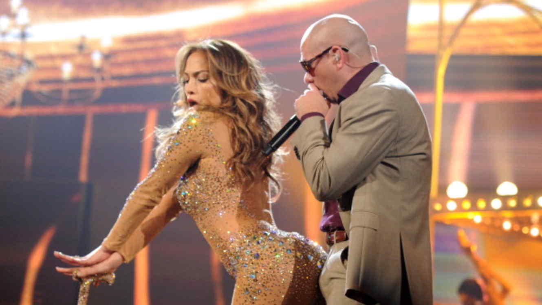 Jennifer y Pitbull en los American Music Awards - Show 2011