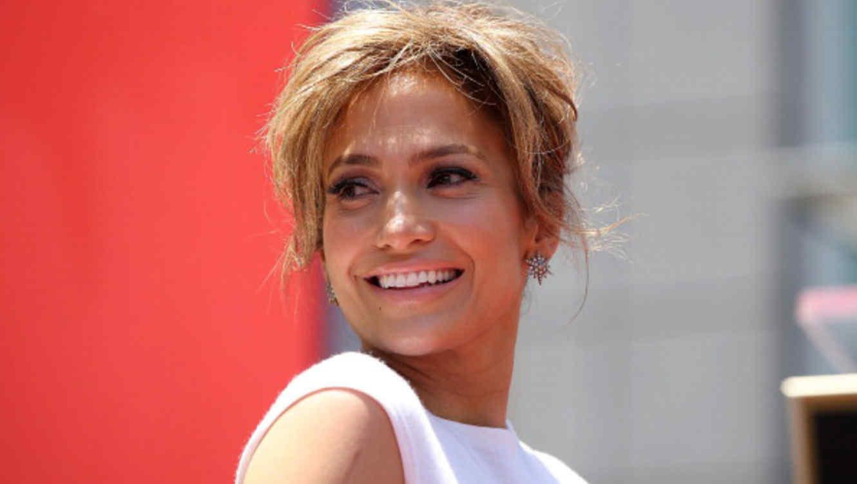 Jennifer Lopez recibe su estrella en el Hollywood Walk Of Fame