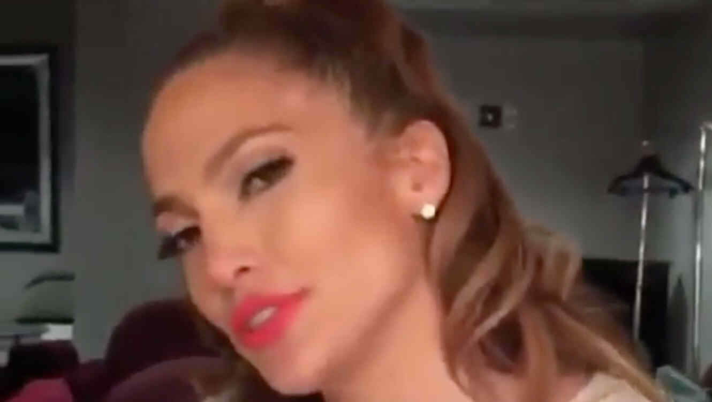 Jennifer Lopez durante su FB Live