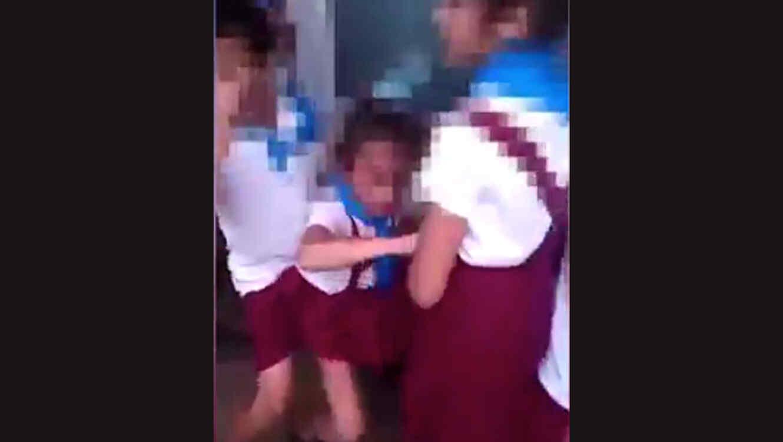 Niñas bailan reggaetón sobre el ataúd de un difunto (+VÍDEO)