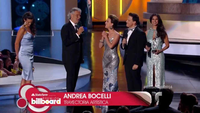 """El cantante Andrea Bocelli recibe el Premio Billboard """"Trayectoria Artística"""""""