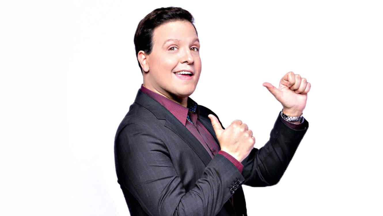 Raúl González quiere ser nombrado 'Mejor Presentador' de Premios Tu Mundo