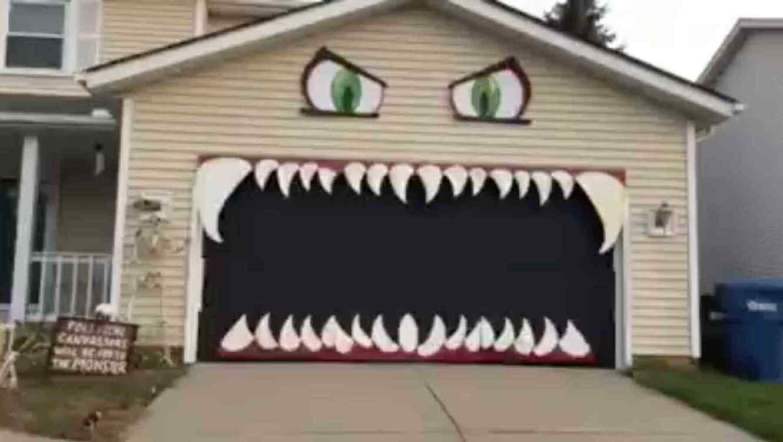 Puerta decorada para Halloween se convierte en éxito en las redes ...