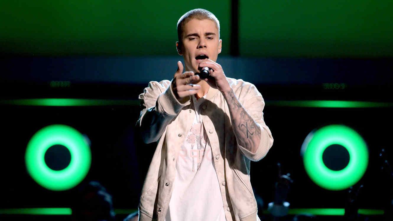 Justin Bieber enfrenta cargos por robo y lesiones contra un fotógrafo en Argentina