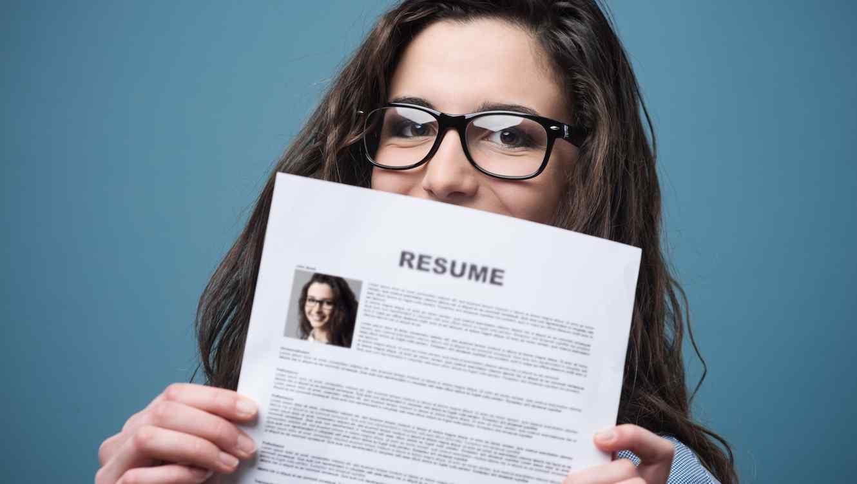 4 pequeños cambios que modernizarán tu currículum vitae   Telemundo