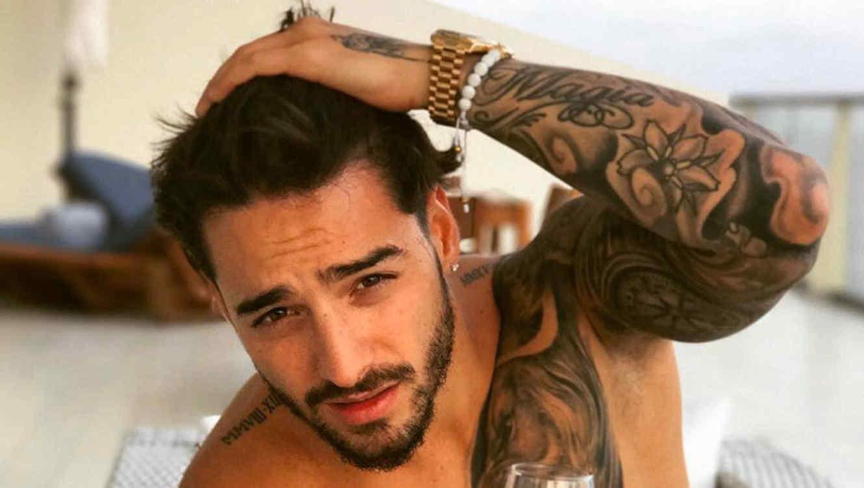 Amores Perros Escenas Hot maluma comparte fotos sin camisa y un sexy video en la ducha