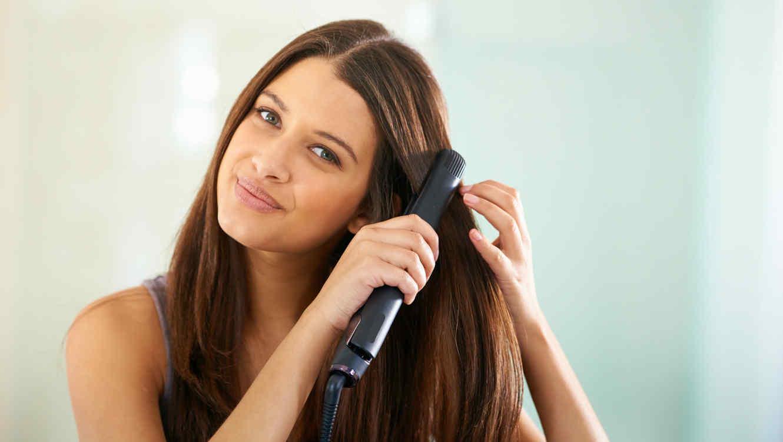 7 consejos para usar la plancha sin maltratar tu cabello todos los ... 4f568fc915fe