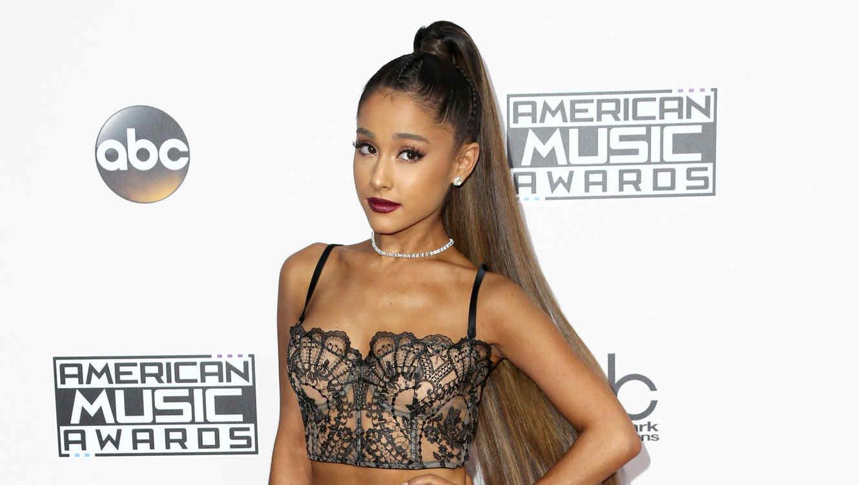 Ariana Grande en los American Music Awards 2017